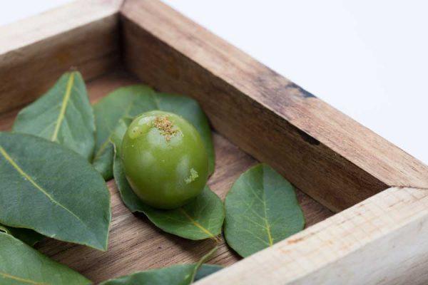 ars-italica-caviale-sevruga-Oliva-di-costoluto-verde-e-vermouth